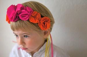 Serre-tete Eva fleurs pompons fushia & orange - Mathilde de Turckheim