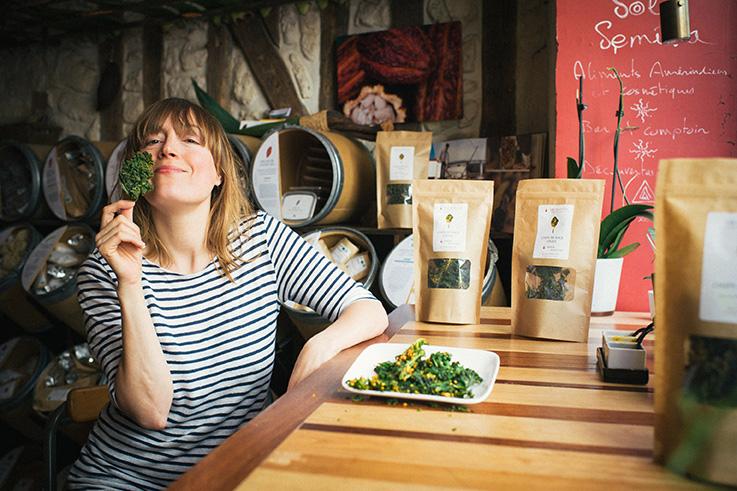 Camila Prioli-Chips de Kale -®Ophe¦ülia Noor BD